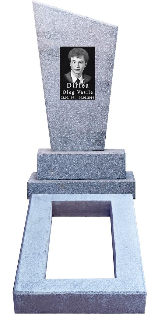 Памятник из мраморной крошки. Кишинев