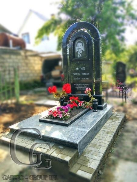 Купить памятник на кладбище Суздаль Резные памятники Тульская